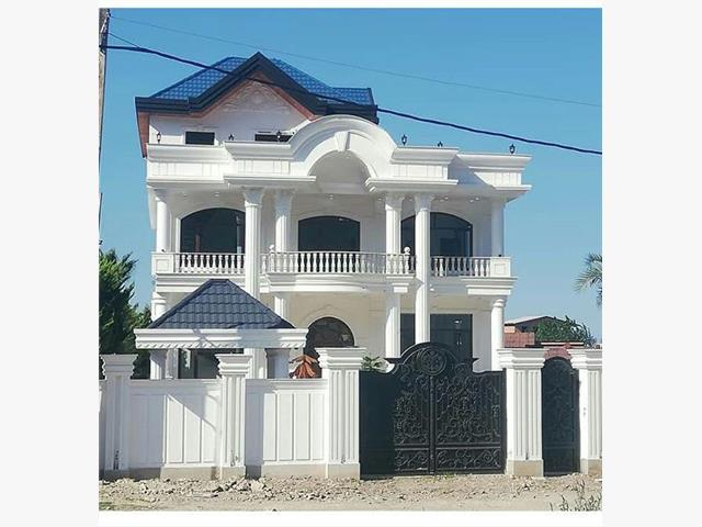 فروش کاخ ویلای ساحلی بااستخر در رویان